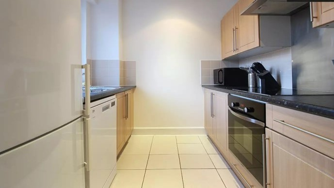 108-three-colt-street-kitchen1