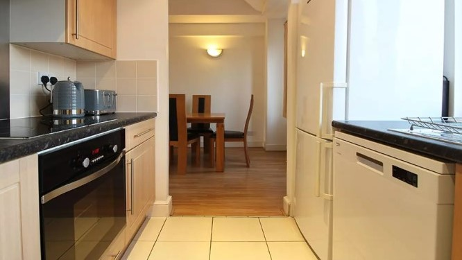 108-three-colt-street-kitchen3